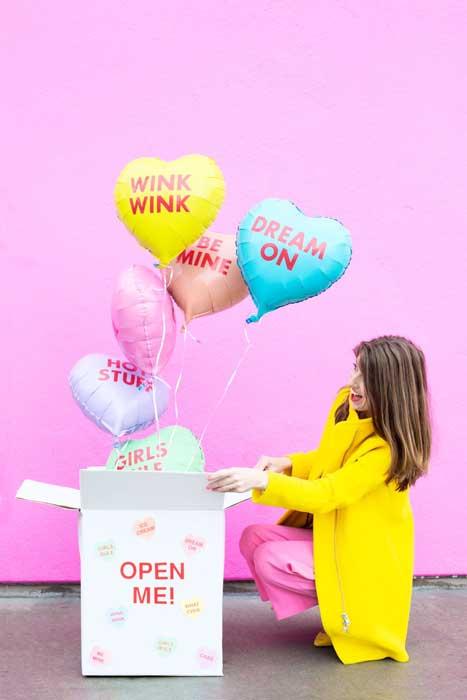 Rekomendasi Hadiah Atau Kado Valentine Untuk Pacar Dan Sahabat - Pop up balloon messages
