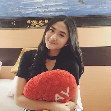 Daftar Pemain Sinetron Cinta Suci SCTV - Zahwa Aqilah sebagai Tari