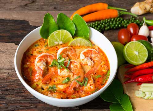 Kuliner khas Thailand - Tom Yum Goong (Spicy Shrimp Soup)