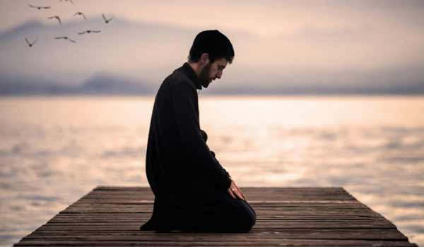 Jangan Ngaku Pria Sejati Jika Kalian Belum Bisa Melakukan Hal Berikut Ini - Pria sejati itu taat beribadah