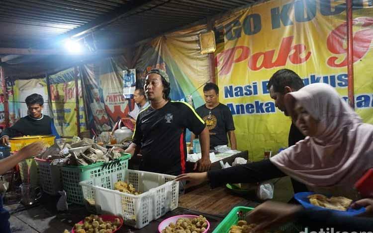 Angkringan Semarang Paling Enak dan Murah - Kucingan Pak Gik
