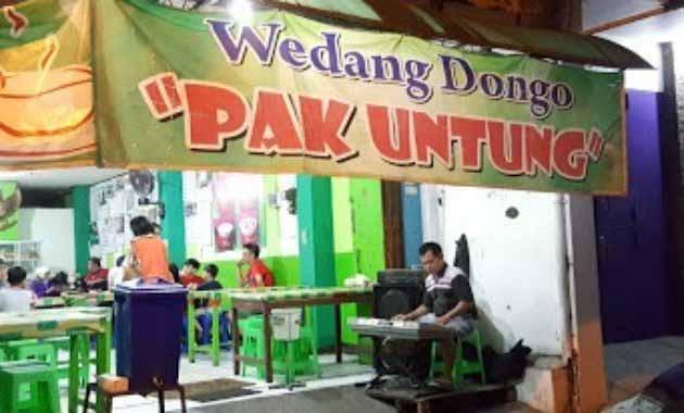 Angkringan Solo Paling Enak dan Murah - Wedangan Dongo Untung