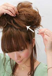 DIY綁髮教學~讓妳也能成為綁髮達人(5分鐘系列) - 髮型師JOE - FashionGuide 華人時尚專業評鑑