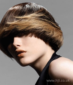 包柏頭需要燙嗎? - Alpha@EROS hair styling - FashionGuide 華人時尚專業評鑑