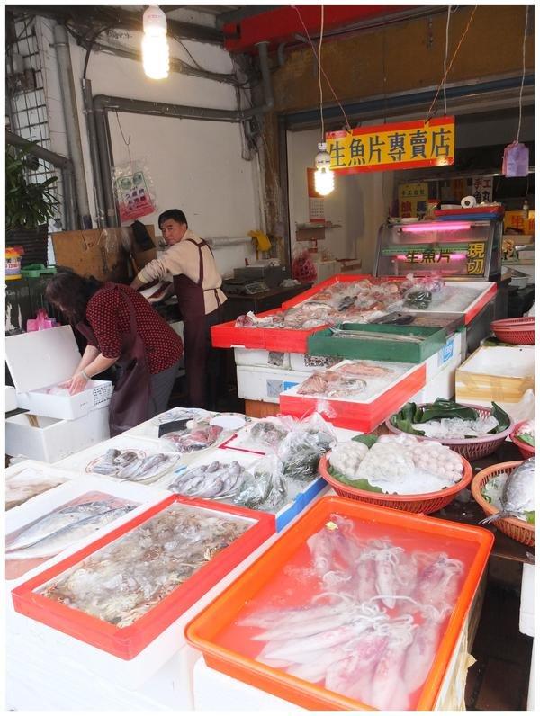 宜蘭 ♥ 礁溪市場無店名魚攤~150元高C/P.漁港直送新鮮生魚片 @ ♡ 小蝴蝶的玩樂生活♡ Taipei♡ :: 痞客邦