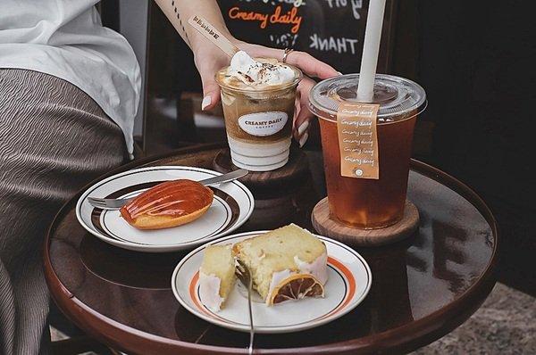 185cfed5 278c 47d5 83ab b6fcf2538412 - CREAMY DAILY COFFEE║緊鄰豐樂公園旁韓系咖啡館,愜意下午茶吃甜點又好拍的小店,IG網美必收藏名單!
