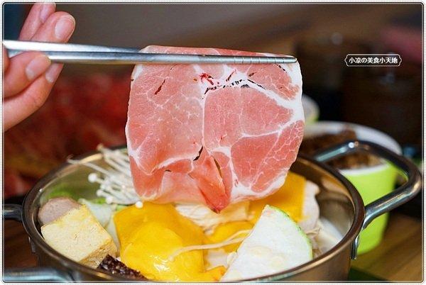 f7a60e75 1865 4066 aedc 8c9929cdb3e1 - 熱血採訪║肉控注意!愛吃肉來這裡就對了!CP值爆表平價鍋130起,烤吐司滷肉飯飲料冰淇淋自助吧無限量吃到飽!
