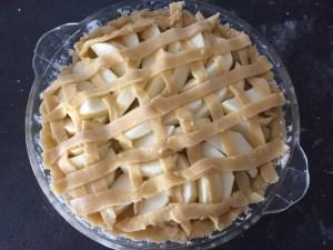 Kratka z ciasta na plastrach jabłek