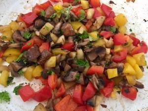 Pieczarki i warzywa jako dodatki do cukini na szybki obiad