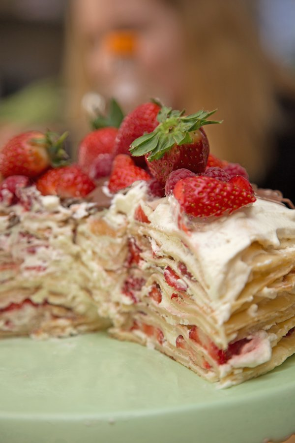 Crêpe-Torte mit Erdbeeren