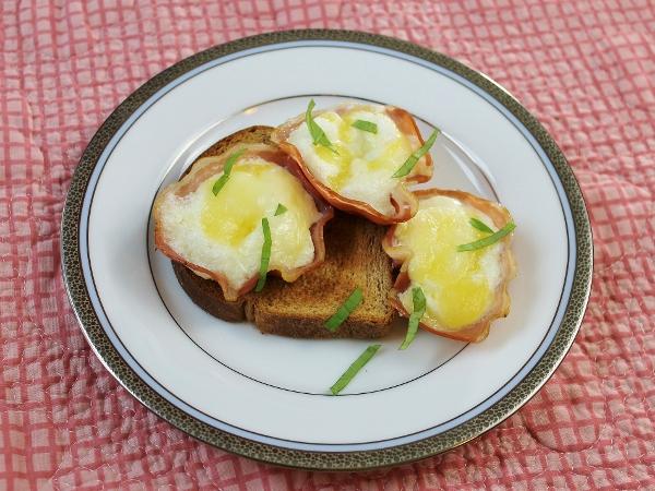 Pancetta Egg Cups