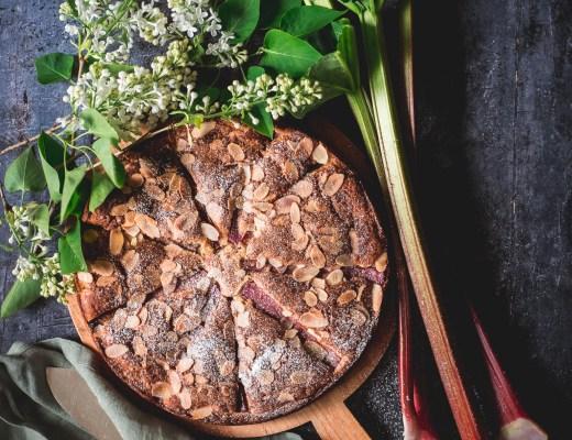 rabarberkaka med mandel