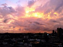 Pink sky at night ... Brisbane's delight.