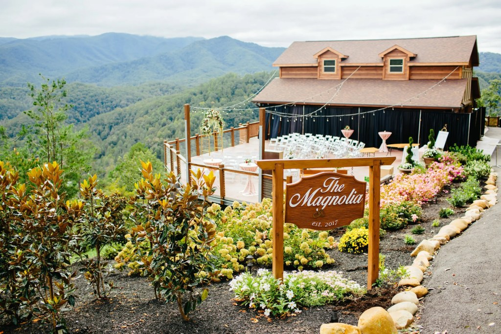 the magnolia wedding venue, pigeon forge, tn