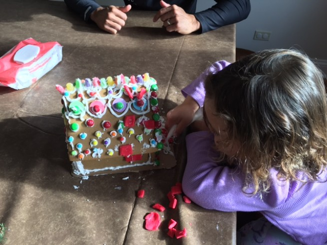 Gingerbread house building_2
