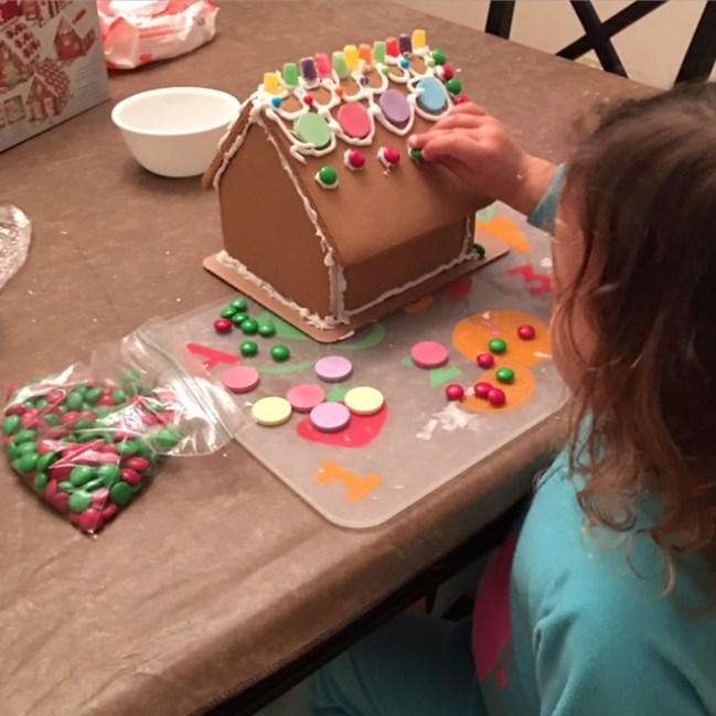 Gingerbread house building_4
