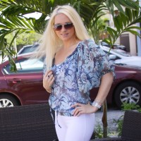 {BLONDi Style} Beaded Blue Print Peasant Blouse with White Pants