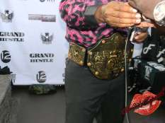 You see the belt!
