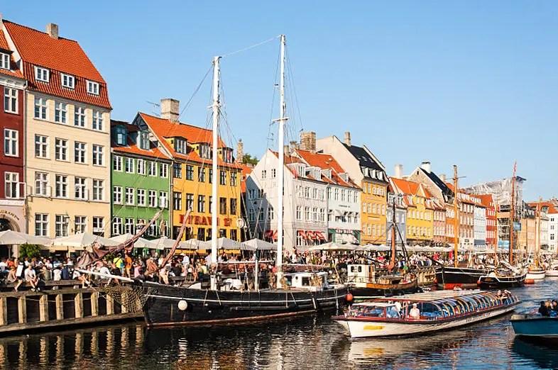 Nyhavn_Copenhagen_2014_10