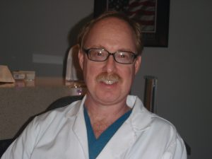 David Gelber authored Night Clinic.