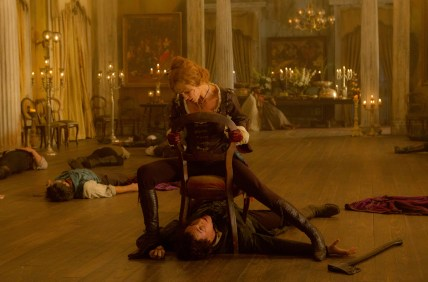 DF_25218 - The vampire Vadoma (Erin Wasson) traps Abraham Lincoln (Benjamin Walker).