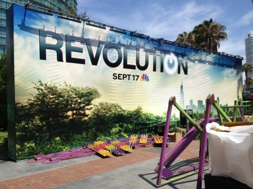 Revolution-Comic-Con-Set-Up-Hilton-Bayfront-001