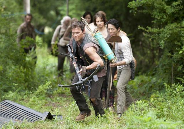 The-Walking-Dead-group-forest-760_FULL
