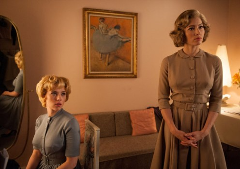 Scarlett-Johansson-as-Janet-Leigh-and-Jessica-Biel-as-Vera-Miles-on-the-set-of-HITCHCOCK.