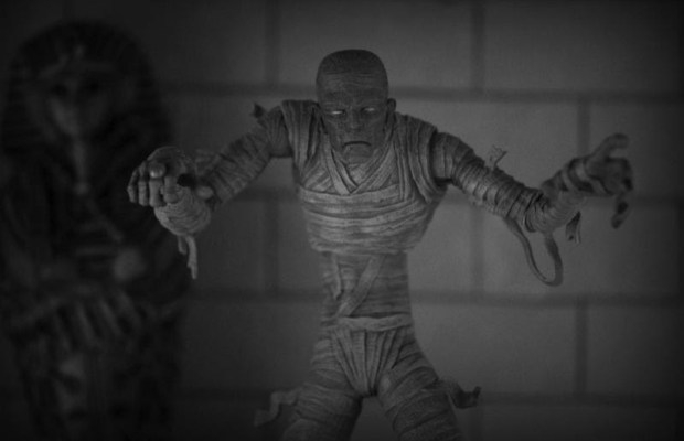 [Toys] Mezco's Latest Exclusive, Black And White 'The