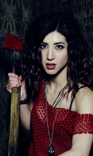 Dana DeLorenzo as Kelly Maxwell in the Starz series ASH VS EVIL DEAD