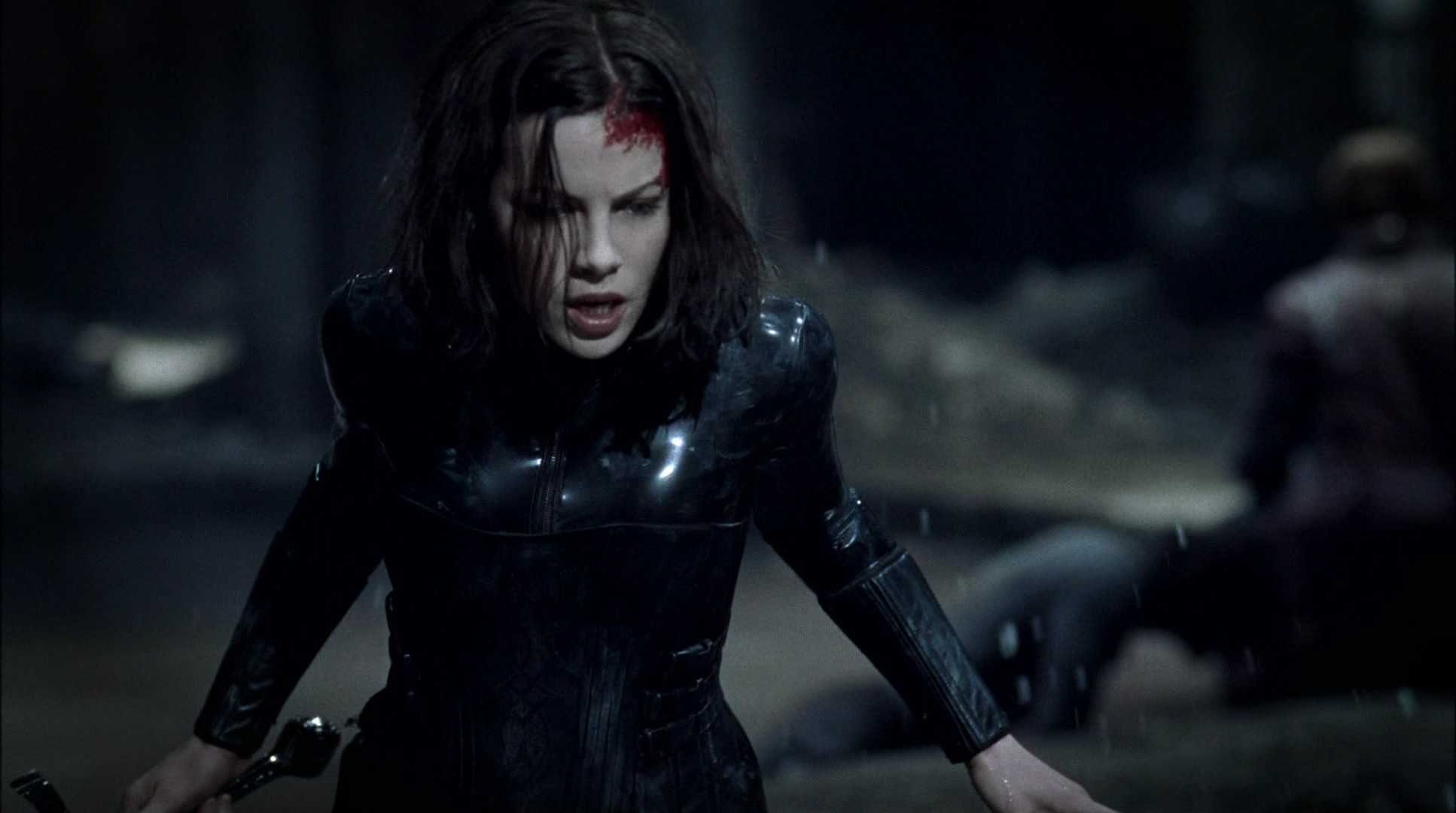 Kate Beckinsale In Underworld 5 Ihre Frisur Coiffure