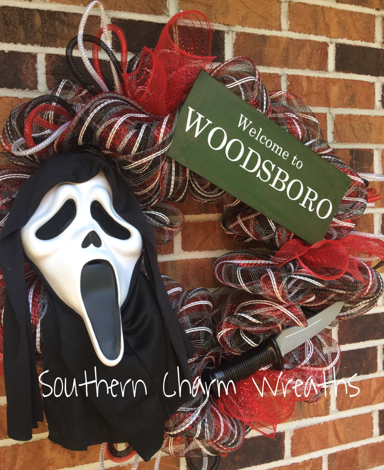 Horror: These Horror Movie Wreaths Bring Halloween To The