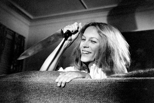 Rare 1979 Photo Surfaces of Jamie Lee Curtis Wearing Michael Myers Mask - Bloody Disgusting