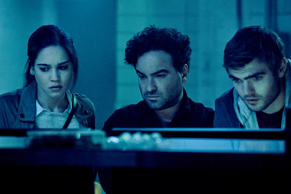 (L-R) Matilda Lutz as Julia, Johnny Galecki as Gabriel and Alex Roe as Holt in the film, RINGS by Paramount Pictures