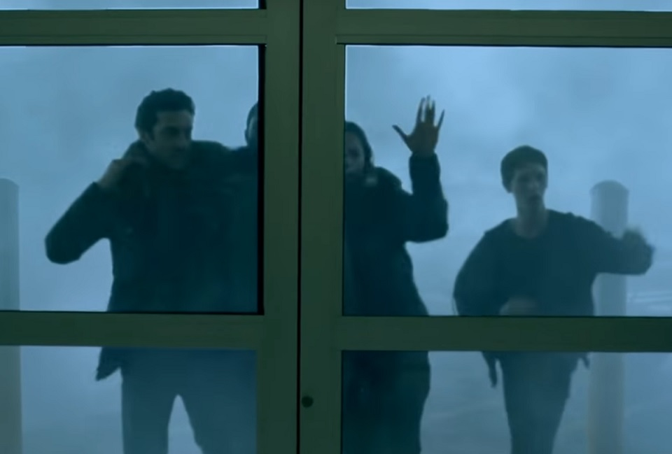 """Official Trailer Provides First Look at Spike's """"The Mist"""" - Bloody Disgusting"""