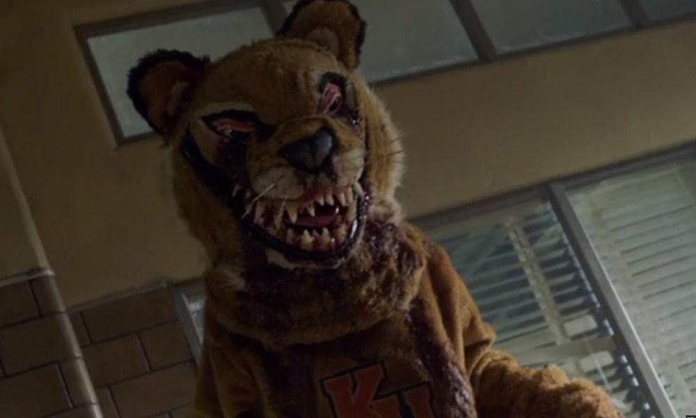 Papa Bear Kicks Ass In The Quot Ash Vs Evil Dead Quot Season 3
