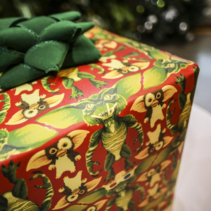 Wrap Your Holiday Presents With This 'Gremlins' Wrapping ...