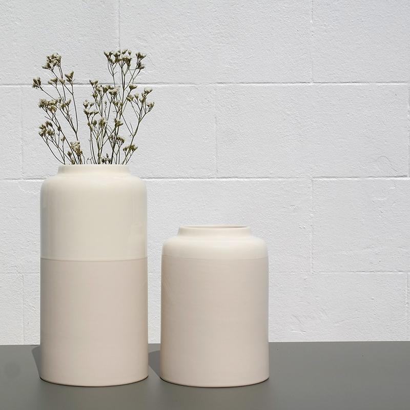 Coloris du sable blanc des vases Aster S et L de Bloom