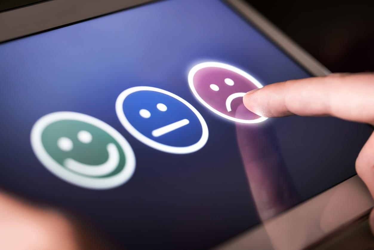 negative survey response demonstrates cost of poor customer service