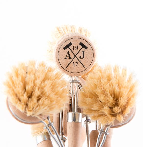 Tradition Handled Dish Brush and Refill
