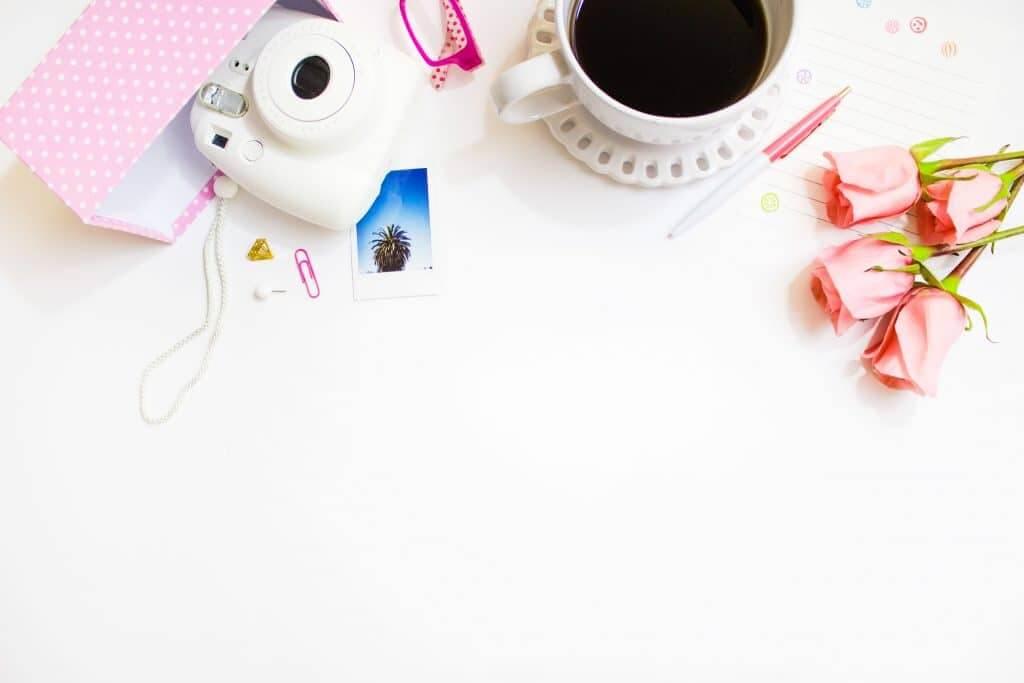 blogging desktop flatlay