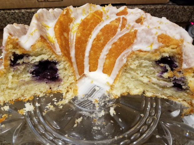 lemon-blueberry-cake-inside