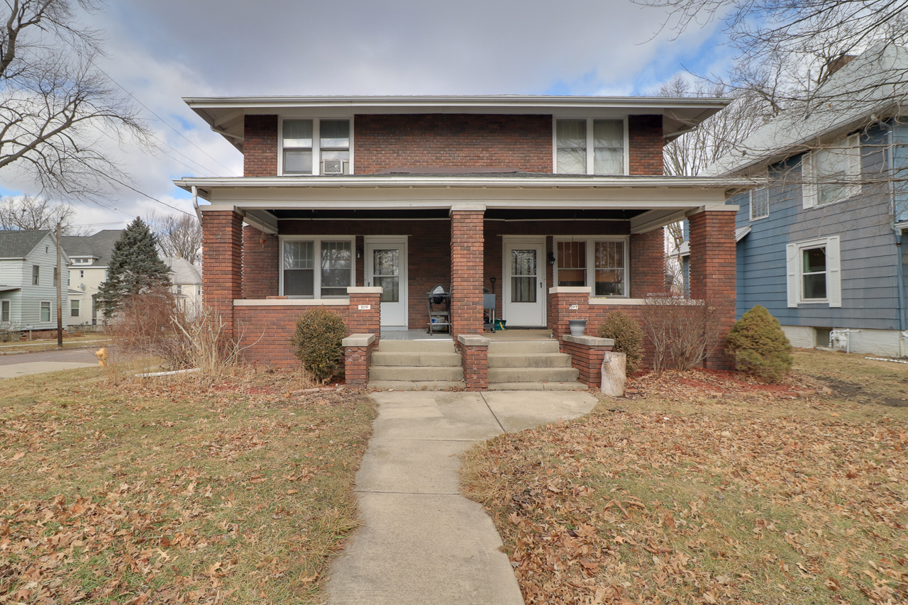 807 & 809 W Wood St. Bloomington, IL 61701