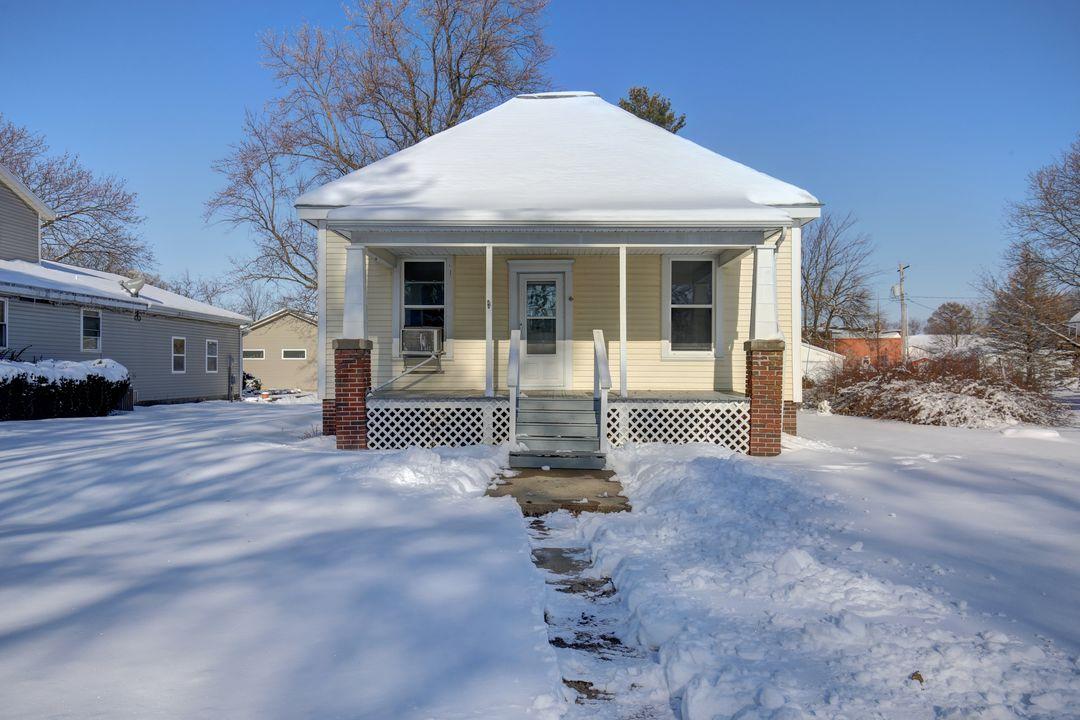 103 E Illinois St. Mansfield, IL 61854 – SOLD