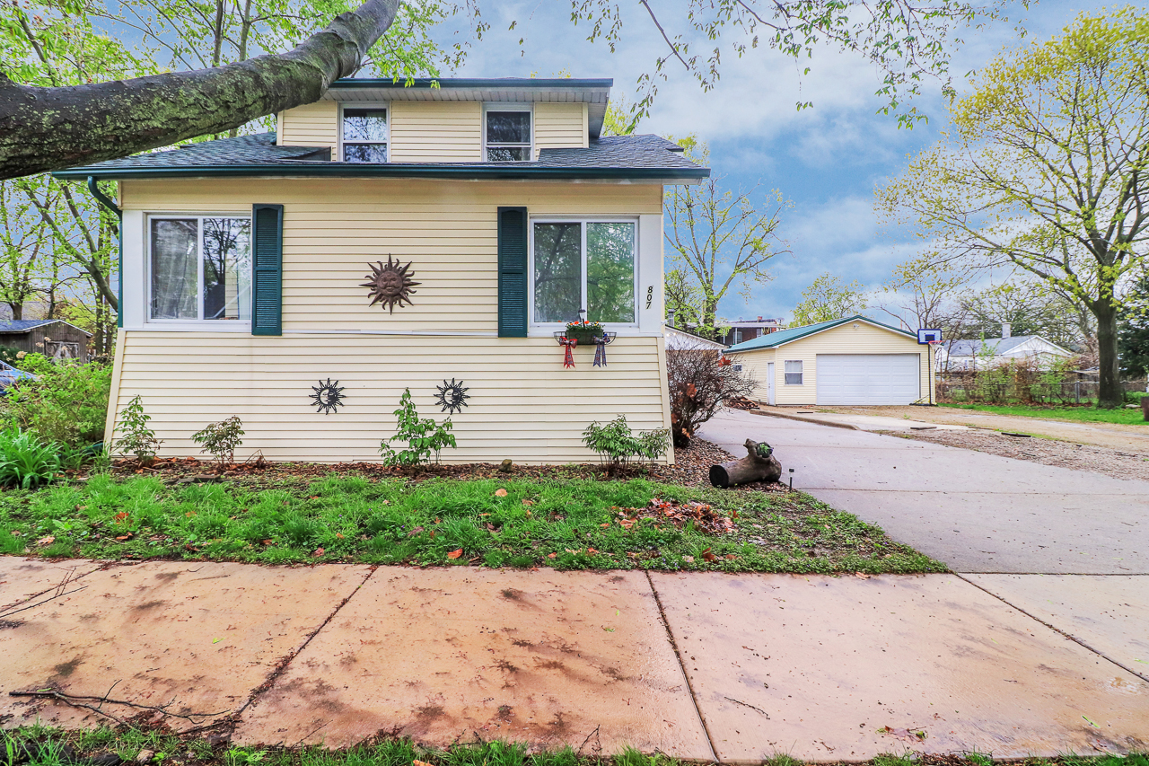 807 W Mill, Bloomington, IL 61701 – SOLD