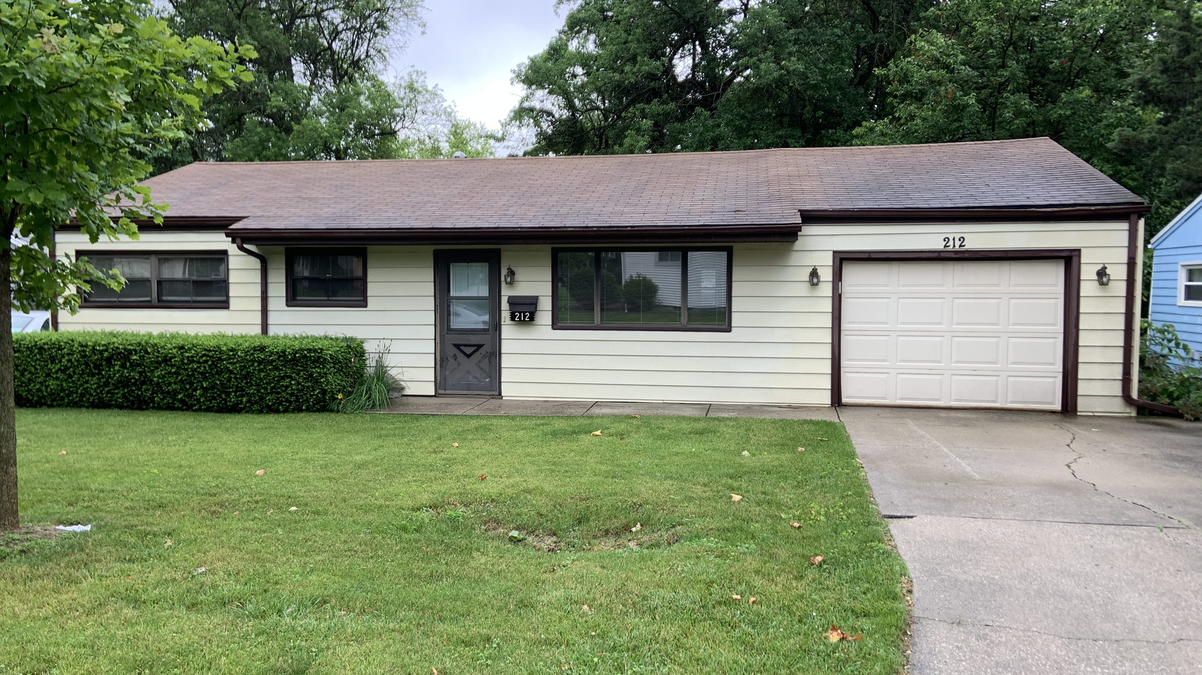 212 N. Coolidge, Normal, IL 61761