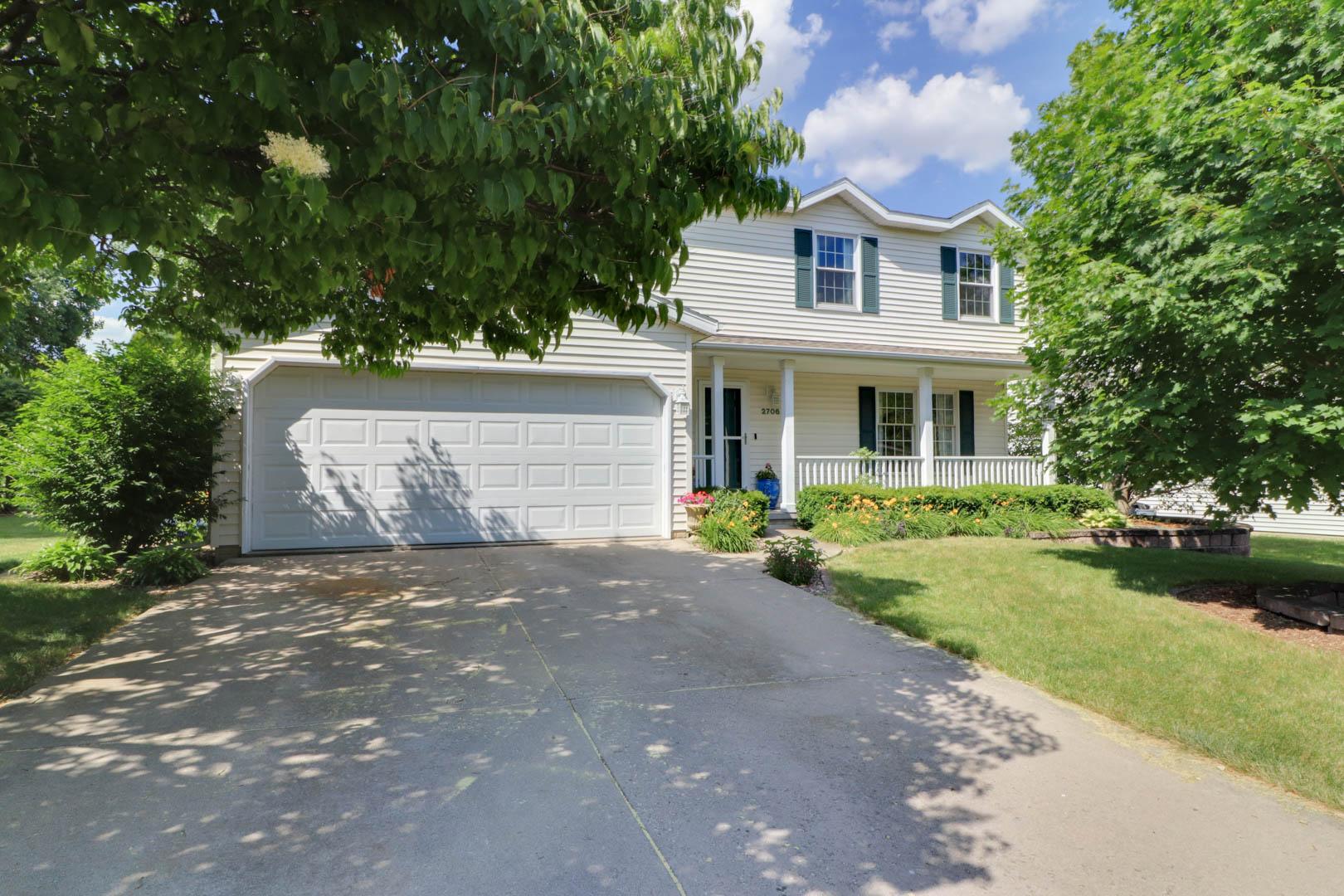 2706 Sandstone Street, Bloomington IL 61704 – SOLD!