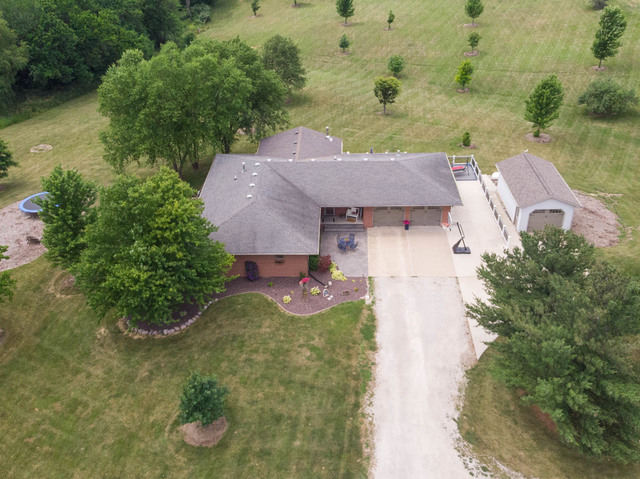 459 Carlock Road,         Carlock IL 61725- UNDER CONTRACT!