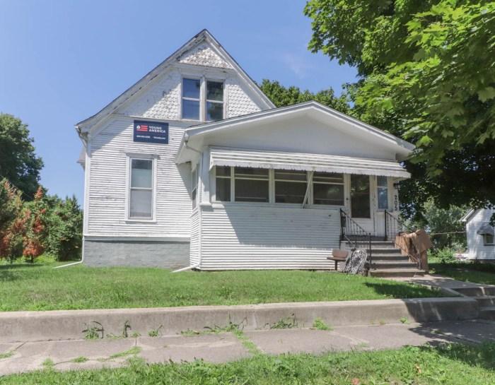 205 Seminary Ave, Bloomington IL 61701-SOLD!