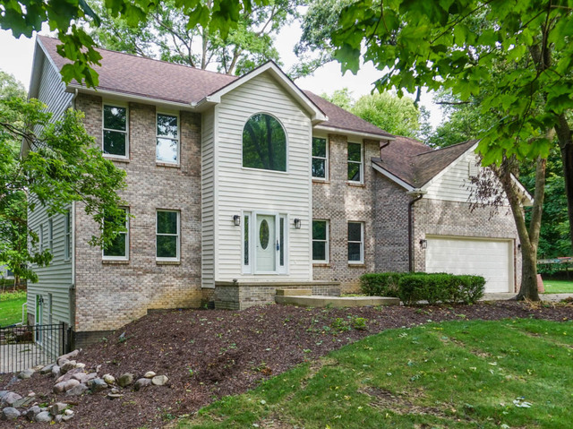 13809 Shelby Court, Bloomington, IL 61705- UNDER CONTRACT